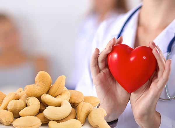 Bật mí những lợi ích bất ngờ từ hạt điều với sức khỏe